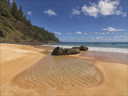 Anson Bay - Norfolk Island - NSW SQ (PBH4 00 12147)