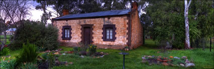 Stone Hut Private Home - SA (PBH3 00 22301)
