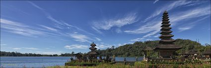 Temple on the Lake - Pura Ulun Danu Bratan - Bali (PBH4 00 16597)