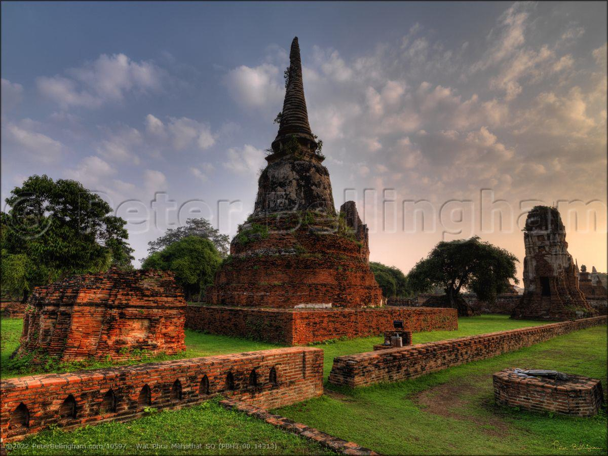 Peter Bellingham Photography Wat Phra Mahathat SQ (PBH3 00 14313)
