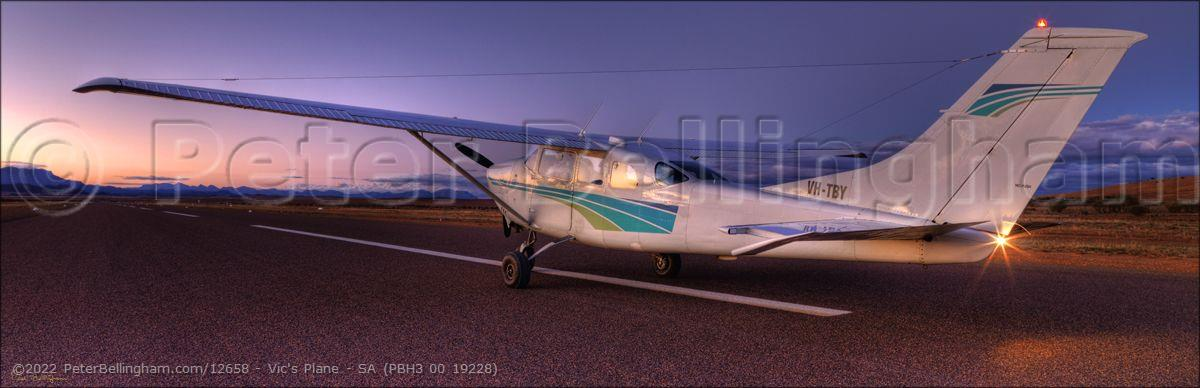 Peter Bellingham Photography Vic's Plane - SA (PBH3 00 19228)